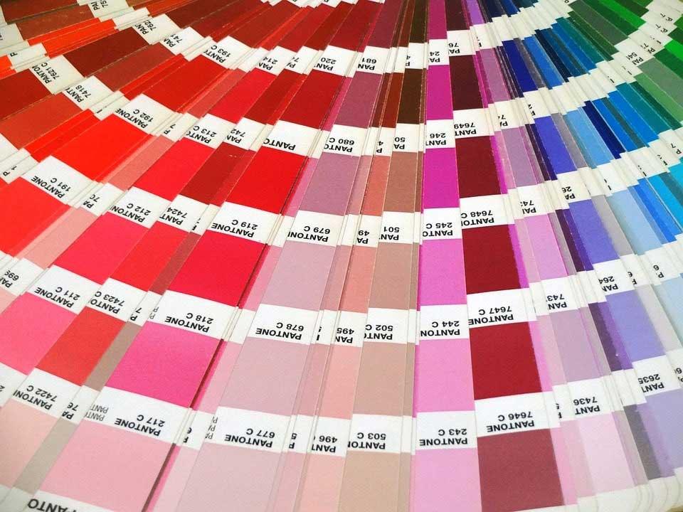 Pantone: una storia a colori che ha riscritto le regole del marketing